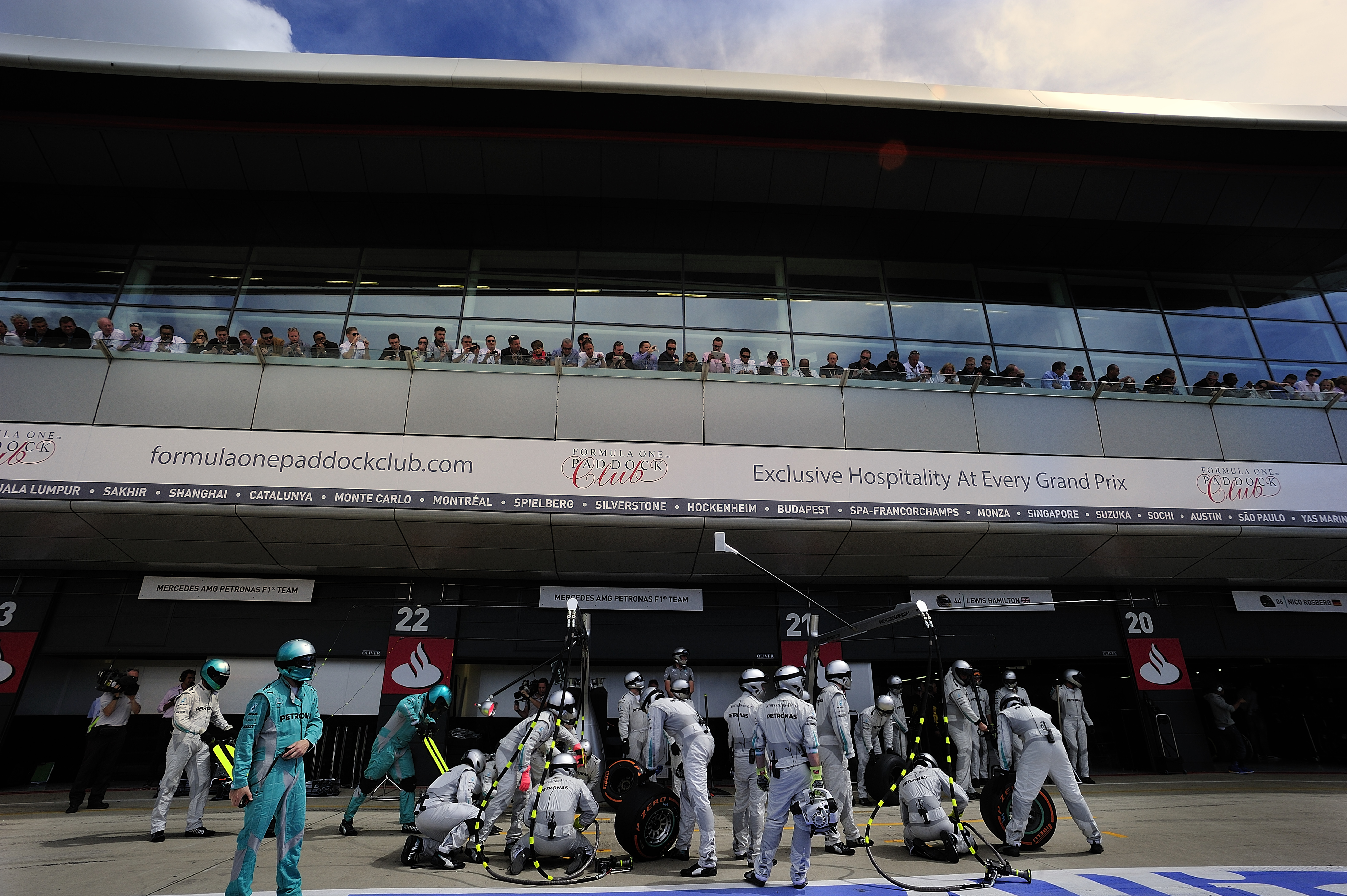 Formula-One-Paddock-Club-Seating-04.jpg