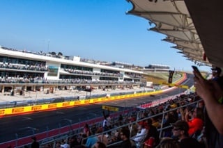 Formula-One-US-Grand-Prix-Formula-One-Paddock-Club-View-Main-Straight-Stretch-Grand-Prix-Expereinces-1.jpg