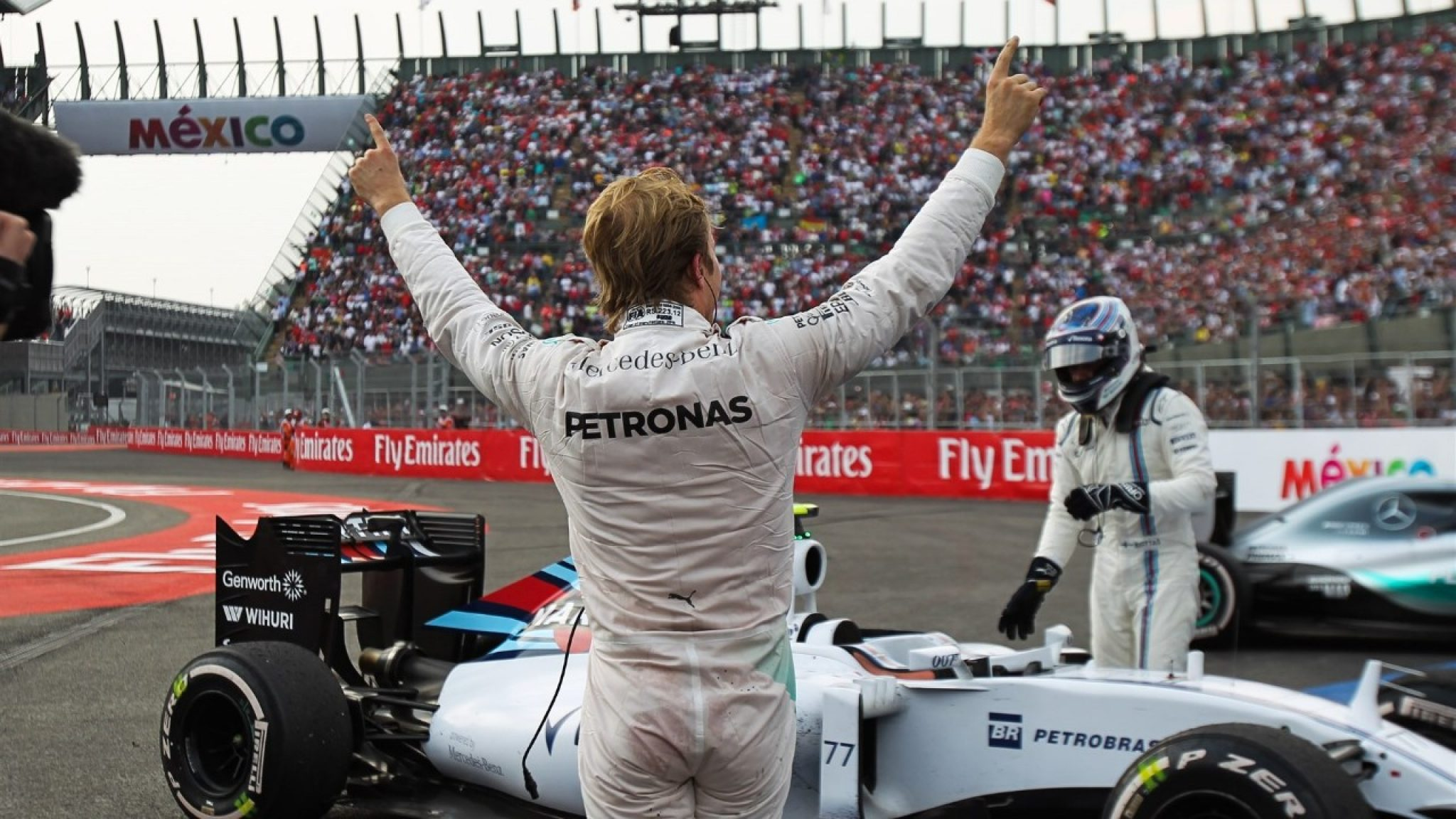 Nico Rosberg in Foro sol after winning the Mexico Grand Prix